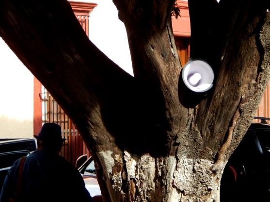 Espacios Públicos : Espacios de Escucha - Intervención no. 5 - 3